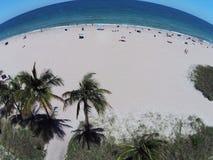 桑迪热带beacch鸟瞰图 库存图片