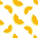 桔子切在白色背景隔绝的无缝的样式 免版税库存图片