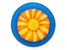 桔子和柠檬在玻璃碗 库存照片