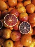 桔子的两个部分 免版税库存照片
