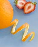 桔子草莓 免版税库存照片