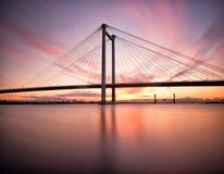 索桥在华盛顿Stat的conects帕斯科和Kennewick 库存照片