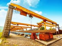 桥式起重机船坞 免版税库存图片
