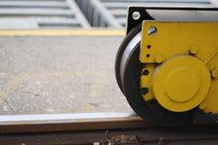 桥式起重机轮子 库存照片