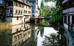 桥梁不适的河在史特拉斯堡 免版税图库摄影