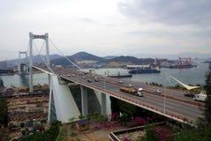 桥梁交叉海运 库存图片
