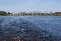 桥梁伏尔加河 库存照片