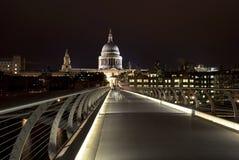 桥梁伦敦千年 图库摄影