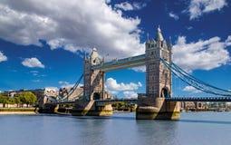 桥梁伦敦塔英国 桥梁是其中一个最著名的地标在大英国,英国 库存图片