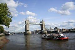 桥梁伦敦河泰晤士塔 免版税图库摄影