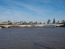 桥梁伦敦滑铁卢 免版税图库摄影