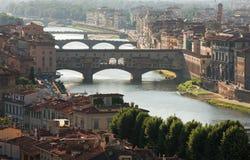 桥梁佛罗伦萨老夏天 图库摄影