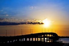 桥梁佛罗里达日落 库存图片