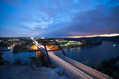桥梁俯视在日落 库存图片