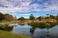 桥梁到Santee湖的戏剧海岛 免版税库存图片