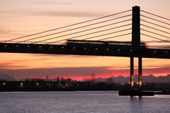 桥梁加拿大通勤者线路培训温哥华 免版税库存图片