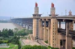 桥梁南京河扬子 免版税库存图片