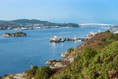 桥梁向斯凯岛 库存图片