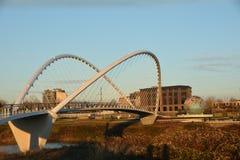 桥梁和地球在日落在萨利姆,俄勒冈 免版税库存照片