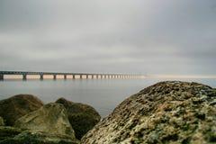 桥梁和岩石 图库摄影