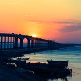 桥梁和日落! 免版税库存照片