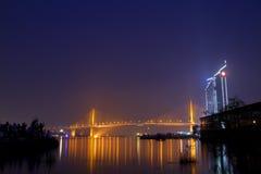 桥梁和河 免版税库存照片