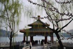 桥梁和湖在北京北京,中国 免版税库存照片
