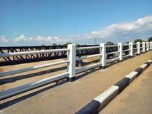桥梁和老 免版税库存照片