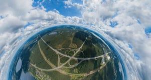 桥梁和自然在里加市,拉脱维亚360 VR虚拟现实的,全景寄生虫图片 库存图片