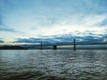 桥梁和水 库存图片