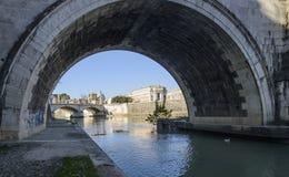 从桥梁圣徒天使罗马意大利欧洲下面 库存图片