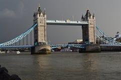 桥梁在伦敦 免版税库存图片