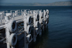 桥梁在内盖夫加利利的海 库存照片