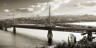 桥梁在土耳其 免版税库存图片
