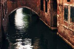 桥梁在威尼斯。 葡萄酒查找 免版税库存照片