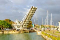桥梁在拉罗歇尔 免版税图库摄影