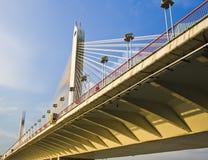 桥梁在日落下在广州 免版税库存图片