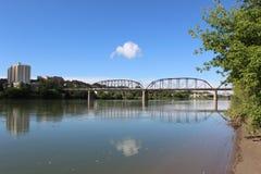 桥梁在萨斯卡通 库存照片