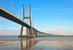 桥梁在里斯本 库存照片