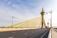 桥梁在Nonthaburi泰国 免版税图库摄影