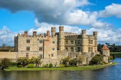 桥梁城堡英国导致利兹的肯特 库存图片