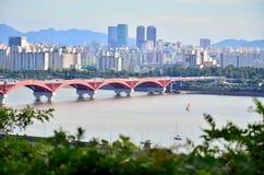 桥梁城市汉城 免版税库存照片