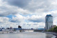 桥梁城市莫斯科 免版税库存照片