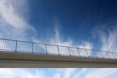 桥梁天空 免版税库存照片