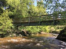 桥梁小河 库存图片