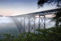 桥梁峡谷新的河 库存照片