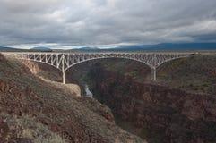 桥梁峡谷taos 免版税库存照片