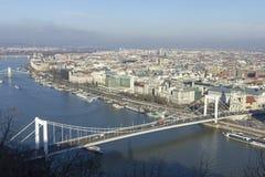 桥梁布达佩斯伊丽莎白 库存图片