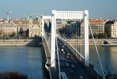 桥梁布达佩斯伊丽莎白 免版税库存照片