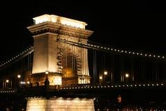 桥梁布达佩斯晚上 免版税库存图片
